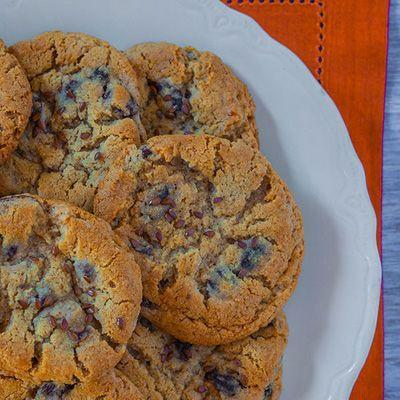 """<p>The classic cookie gets an added health boost with flaxseed. </p><p>Get the recipe from <a href=""""https://www.delish.com/cooking/recipe-ideas/recipes/a22334/oatmeal-raisin-cookies-flax-recipe-fw0114/"""" rel=""""nofollow noopener"""" target=""""_blank"""" data-ylk=""""slk:Delish"""" class=""""link rapid-noclick-resp"""">Delish</a>. </p>"""