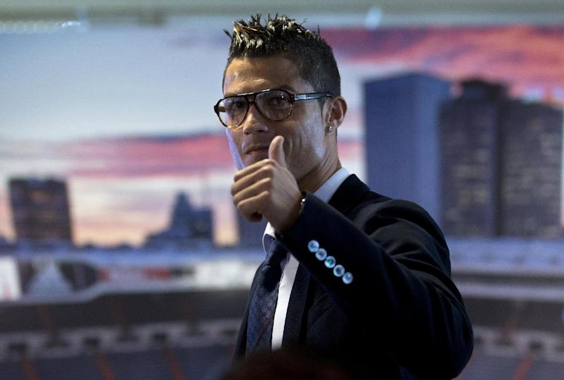 Ronaldo renews contract with Real Madrid