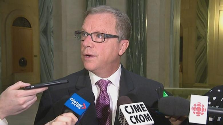 Premier Brad Wall holds shares in Alta. energy companies he tried luring to Sask.