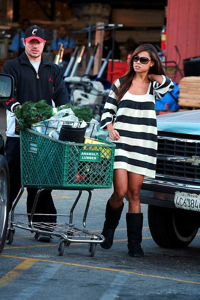 "Nick Lachey and Vanessa Minnillo were also spotted shopping for holiday decorations in Los Angeles. Nick's spokesperson denied rumors that the couple wed in a secret ceremony earlier this month. MWD/<a href=""http://www.x17online.com"" target=""new"">X17 Online</a> - December 10, 2007"
