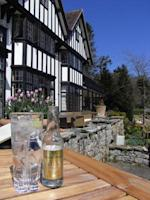 The restaurant and hotel at Gidleigh Park. Credit: Chris Allen, Wikimedia Commons