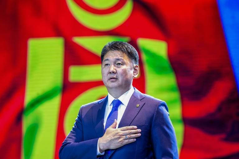 Former PM Khurelsukh Ukhnaa has declared a decisive victory in the Mongolian presidential election
