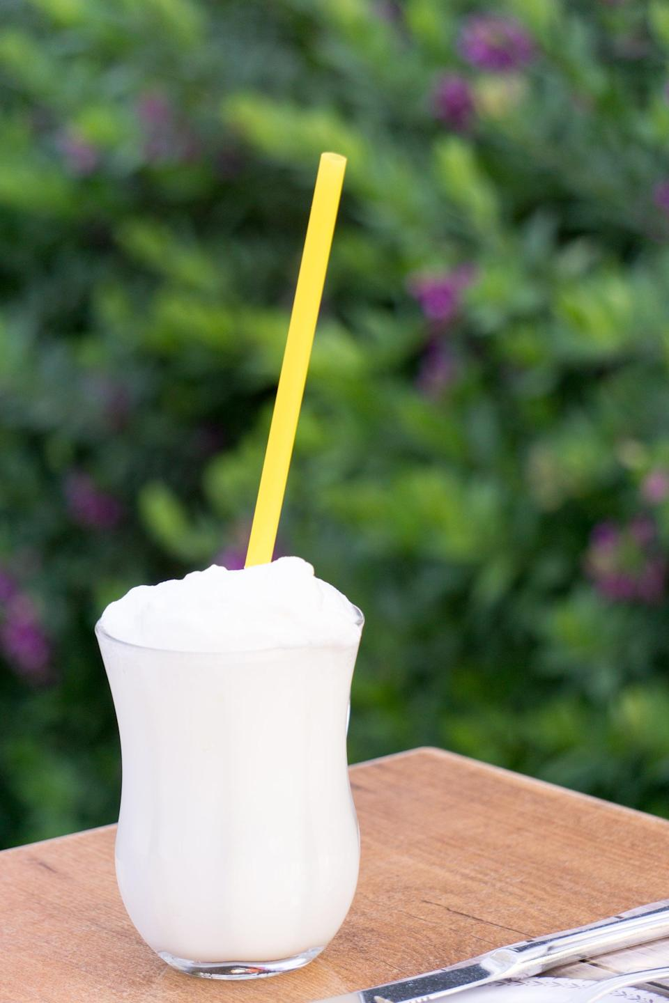 """<p>A chocolate-flavored piña colada sans the pineapple, this indulgent bushwacker will have you sippin' all summer. Enjoy it as an afternoon refresher or treat it like an after-dinner delicacy. </p> <p><strong>Get the recipe</strong>: <a href=""""https://www.popsugar.com/buy?url=https%3A%2F%2Fwww.thespruceeats.com%2Fbushwacker-cocktail-recipe-760503&p_name=bushwacker&retailer=thespruceeats.com&evar1=yum%3Aus&evar9=47471653&evar98=https%3A%2F%2Fwww.popsugar.com%2Ffood%2Fphoto-gallery%2F47471653%2Fimage%2F47475470%2FLouisiana-Bushwacker&list1=cocktails%2Cdrinks%2Calcohol%2Crecipes&prop13=api&pdata=1"""" class=""""link rapid-noclick-resp"""" rel=""""nofollow noopener"""" target=""""_blank"""" data-ylk=""""slk:bushwacker"""">bushwacker</a></p>"""