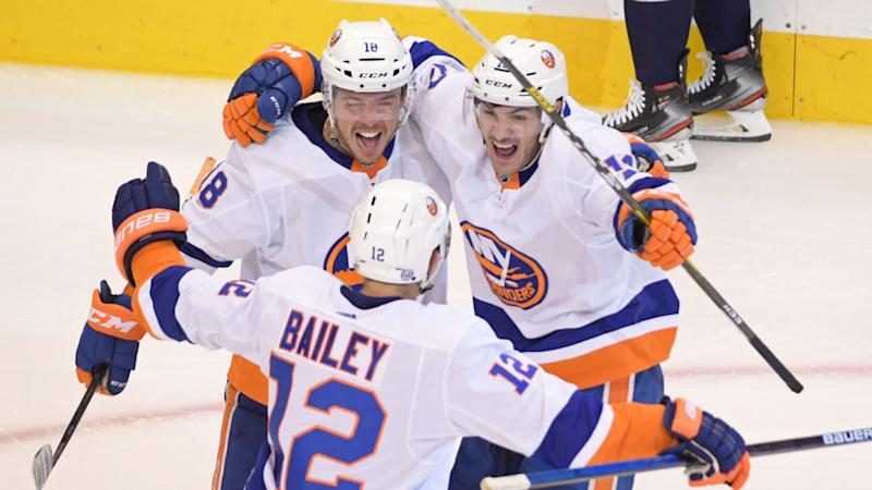 Islanders score four straight to take Game 1 over Capitals