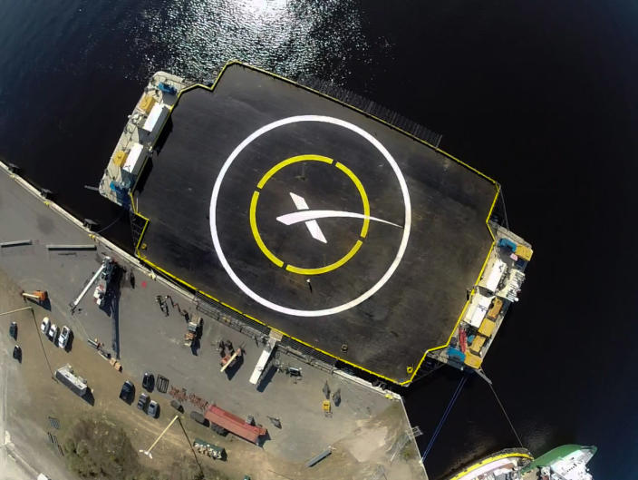 "The rocket should eventually land on this 300 by 100 foot (91 by 30 meter) platform, which SpaceX calls an ""autonomous spaceport drone ship"" (AFP Photo/Handout)"