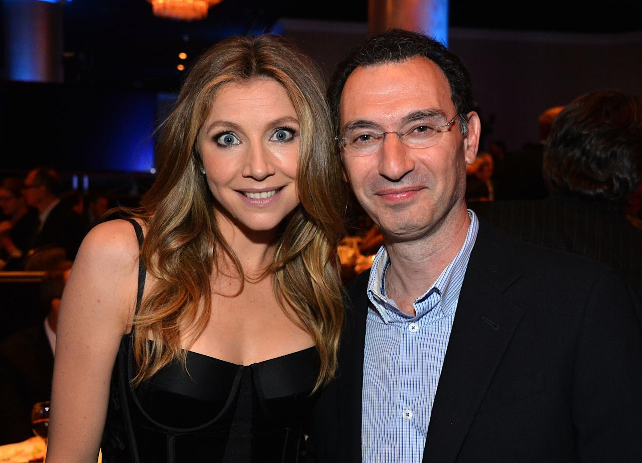 BEVERLY HILLS, CA - NOVEMBER 19:  Actress Sarah Chalke and honoree Paul Lee at The Saban Free Clinic's Gala Honoring ABC Entertainment Group President Paul Lee and Bob Broder at The Beverly Hilton Hotel on November 19, 2012 in Beverly Hills, California.  (Photo by Frazer Harrison/Getty Images)