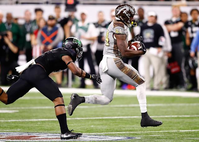 """Attention MAC: Ohio safety <a class=""""link rapid-noclick-resp"""" href=""""/ncaaf/players/258116/"""" data-ylk=""""slk:Javon Hagan"""">Javon Hagan</a> is coming for your towels. (Photo by Gregory Shamus/Getty Images)"""