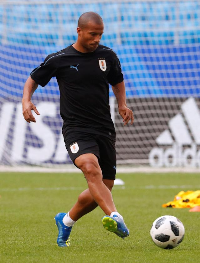 Soccer Football - World Cup - Uruguay Training - Samara Arena, Samara, Russia - June 24, 2018 Uruguay's Carlos Sanchez during training REUTERS/David Gray