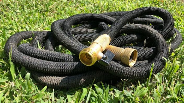Say hello to our favorite expandable hose.