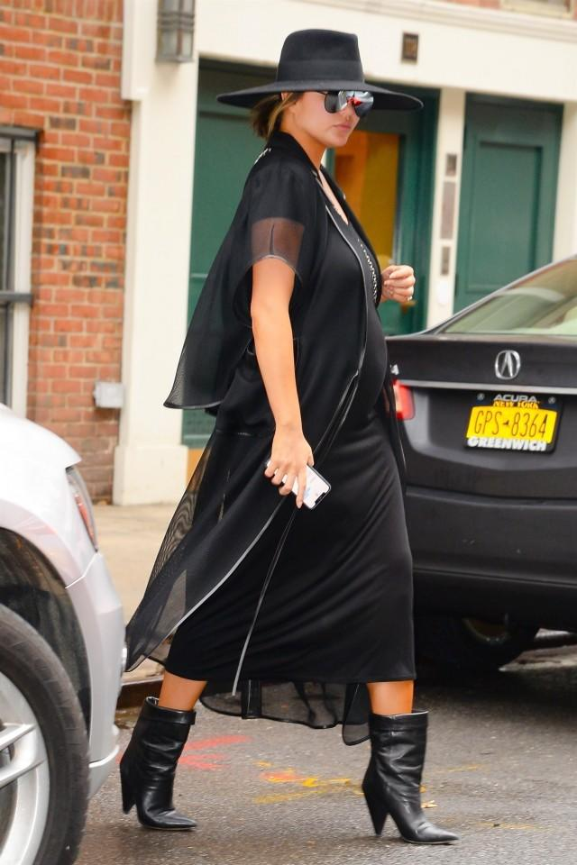 Chrissy Teigen Channels Beyonce In All Black Outfit