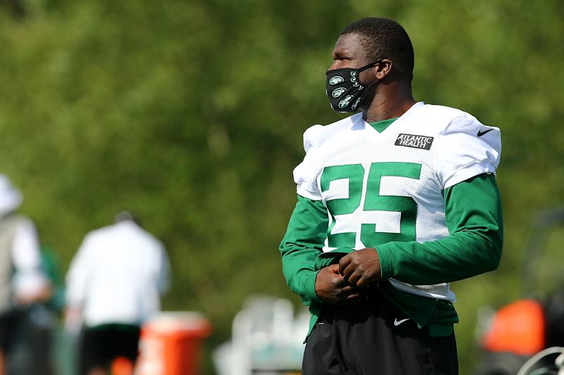 Frank Gore is wowing the New York Jets with how young he looks. (Photo by Mike Stobe/Getty Images)