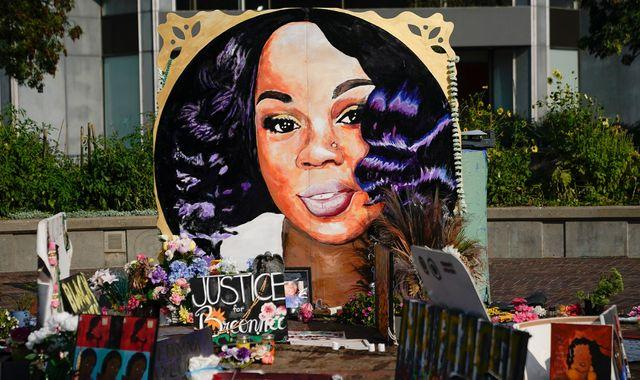Breonna Taylor: Fury as no police charged directly over fatal shooting