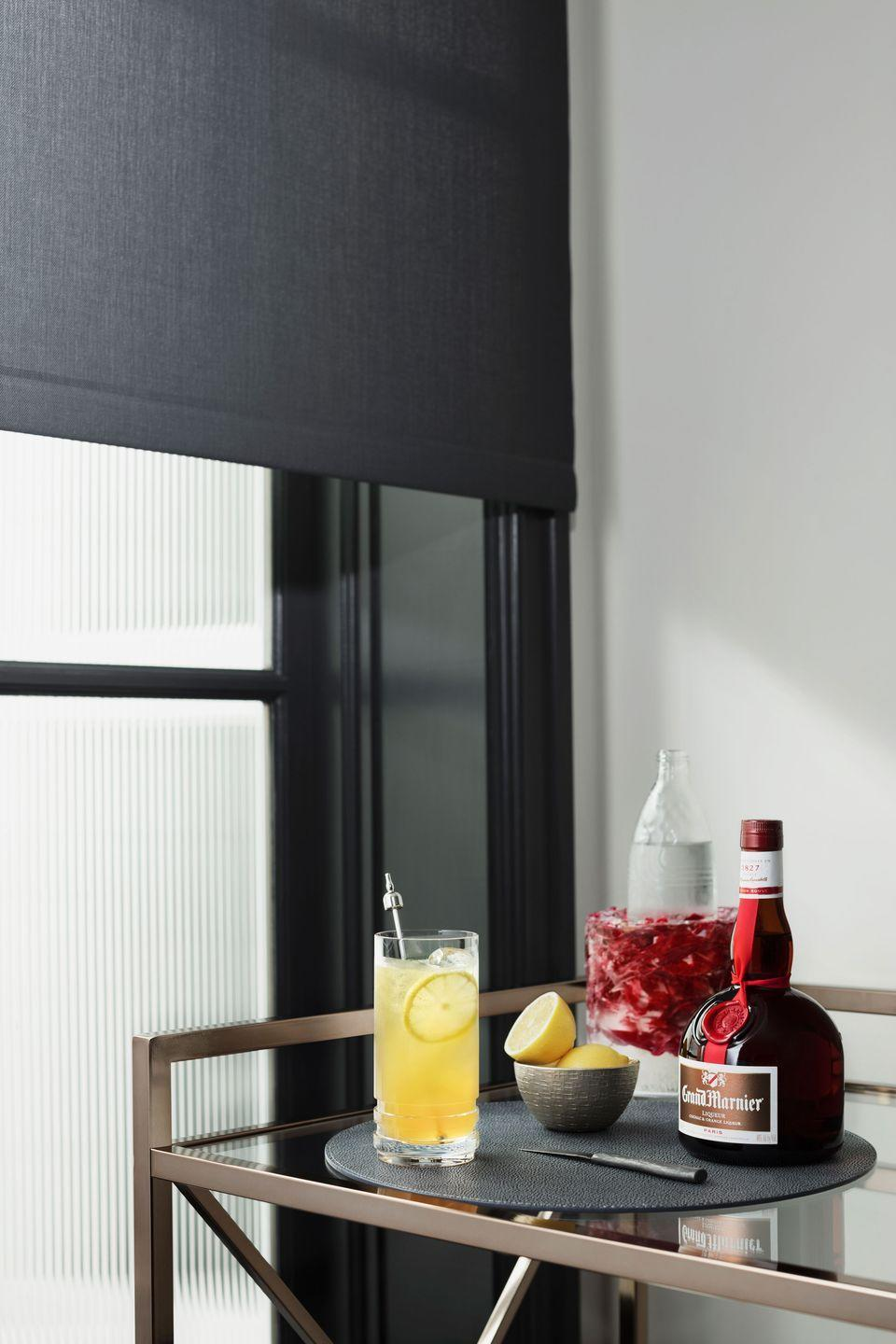 <p><strong>Ingredients</strong></p><p>1.5 oz Grand Marnier Cordon Rouge<br>.75 oz lemon juice<br>1 barspoon simple syrup<br>3 oz soda water</p><p><strong>Instructions</strong></p><p>Build all ingredients in a shaker tin, add ice, and shake. Strain over ice into a Collins glass.<br></p>