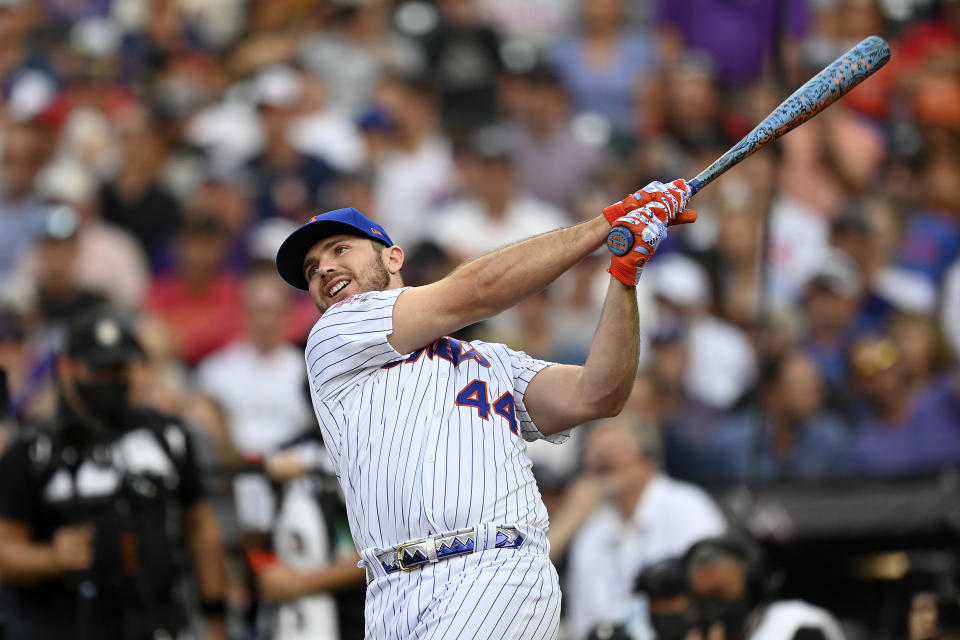 DENVER, COLORADO - JULY 12: Pete Alonso #20 of the New York Mets bats during the 2021 T-Mobile Home Run Derby at Coors Field on July 12, 2021 in Denver, Colorado. (Photo by Dustin Bradford/Getty Images)