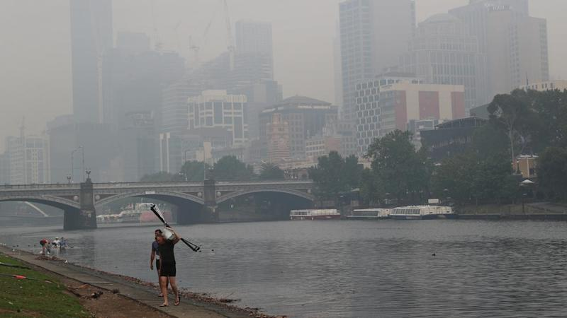 A thick smoke haze hangs over Melbourne from the Victorian bushfires