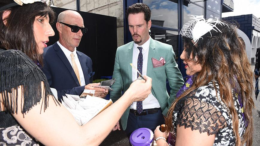 <p>'Entourage' star Kevin Dillion flew into Australia on the sly to attend this year's Oaks Day.</p>