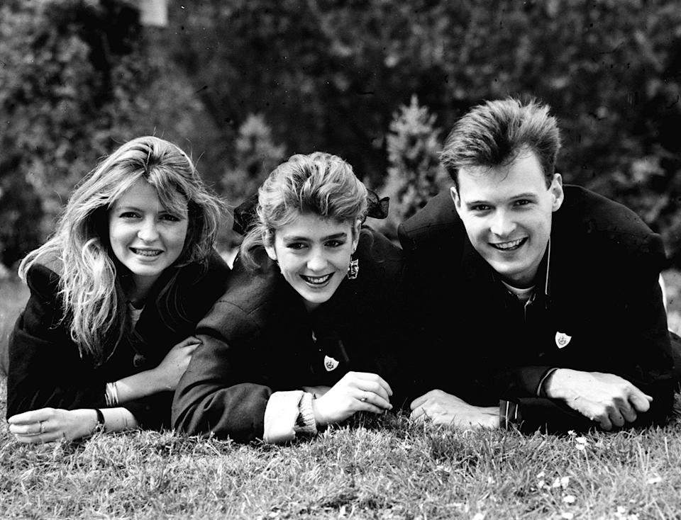 Loft scot John Leslie, 24, 6ft 41/2ins, who tomorrow becomes the new man in the lives of Blue Peter presenters Yvette Fielding (centre) and Karan Keating, replacing Mark Curry. (Photo by PA Images via Getty Images)