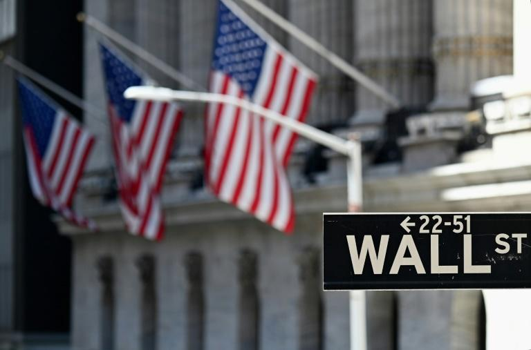 S&P 500 hits fresh record while dollar continues its slide