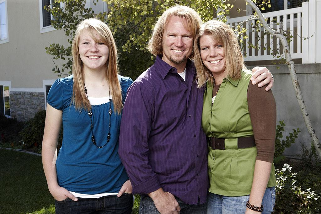 "Kody (center), wife Meri (R) and daughter Mariah as seen on ""Sister Wives."""