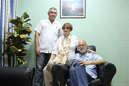 Jailed USAID contractor Gross poses for picture during a visit at Havana's Carlos J Finlay Military Hospital