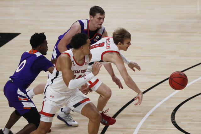No 14 Texas Tech Opens With 101 58 Win Over Northwestern St