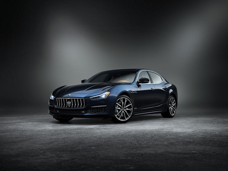 GranLusso edition of Maserati Ghibli dressed in the Edizione Nobile package
