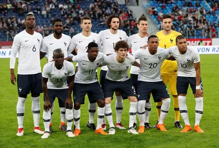 Soccer Football - International Friendly - Russia vs France - Saint-Petersburg Stadium, Saint Petersburg, Russia - March 27, 2018   France players pose for a team group photo before the match    REUTERS/Grigory Dukor