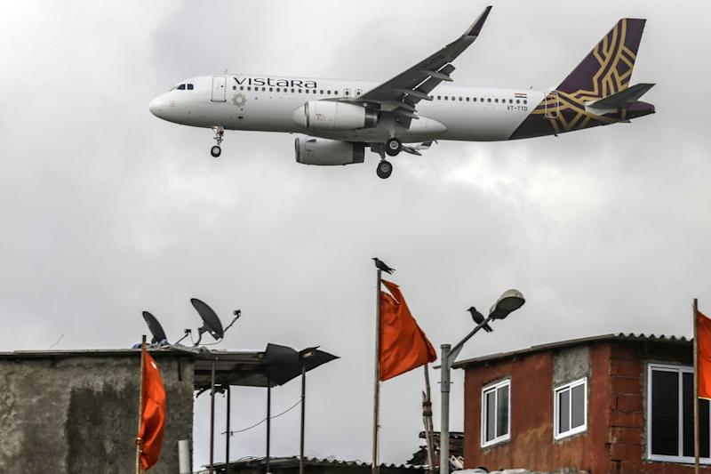 Airbus, Boeing Win $3.1 Billion Order From Singapore Air-Tata Venture