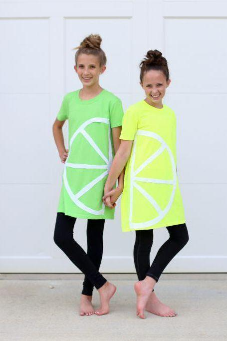 """<p>With felt, glue, and your kid's assistance, you can make these DIY costumes in no time. No sewing required. </p><p><em><a href=""""https://sugarbeecrafts.com/no-sew-lemon-lime-costume"""" rel=""""nofollow noopener"""" target=""""_blank"""" data-ylk=""""slk:Get the tutorial at Sugar Bee Crafts >>"""" class=""""link rapid-noclick-resp"""">Get the tutorial at Sugar Bee Crafts >></a></em></p>"""
