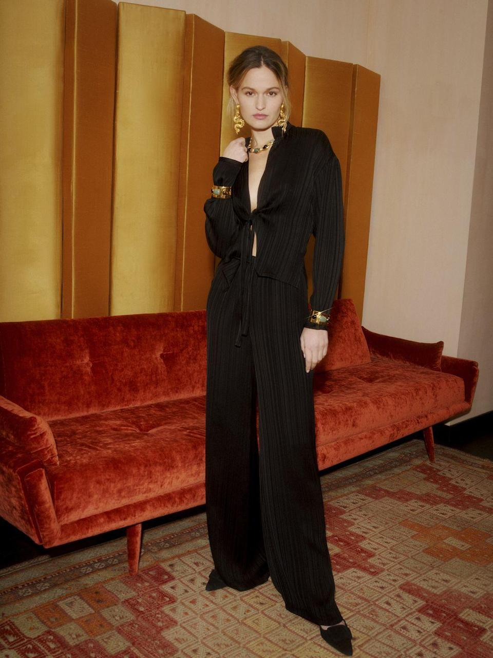 <p>Tra loungewear e cocktail dress: look <strong>Markarian</strong> <strong>Autunno Inverno 2021 2022</strong>.</p>