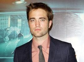 VIDEO: Robert Pattinson Snubbed By Justin Bieber, Selena Gomez & Katy Perry