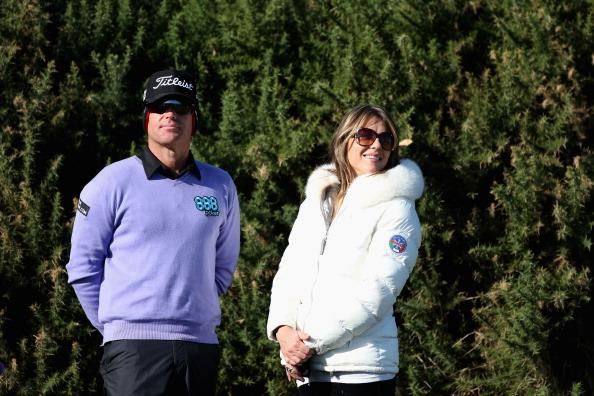 KINGSBARNS, SCOTLAND - OCTOBER 06:  English actress Elizabeth Hurley accompanies Australian cricket star Shane Warne as he plays golf during the third round of The Alfred Dunhill Links Championship at Kingsbarns Golf Links on October 6, 2012 in Kingsbarns, Scotland.  (Photo by Warren Little/Getty Images)
