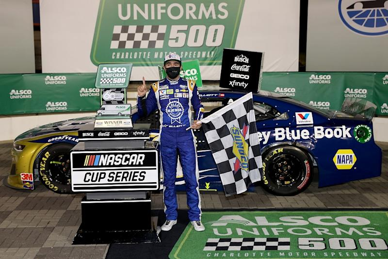 Elliott finds redemption with win in Charlotte