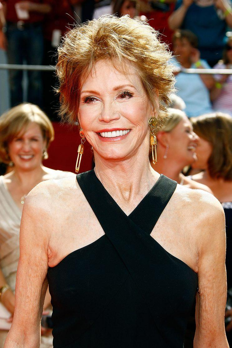 Mary Tyler Moore attends the Emmys in 2008. (Photo: Frazer Harrison/Getty Images)