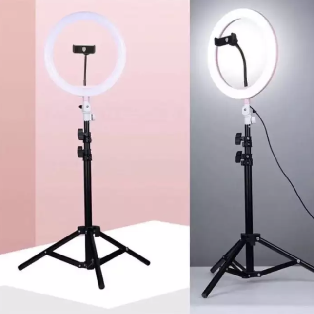 Ring Light with stand. (PHOTO: Lazada Philippines)