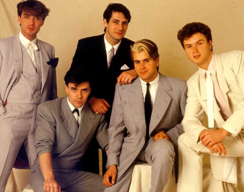 Spandau Ballet, studio group portrait, London, May 1983, L-R Martin Kemp, John Keeble, Tony Hadley, Steve Norman, Gary Kemp. (Photo by Michael Putland/Getty Images)