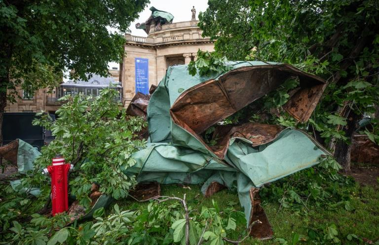 Sections of roofing landed in front of the Stuttgart Opera House