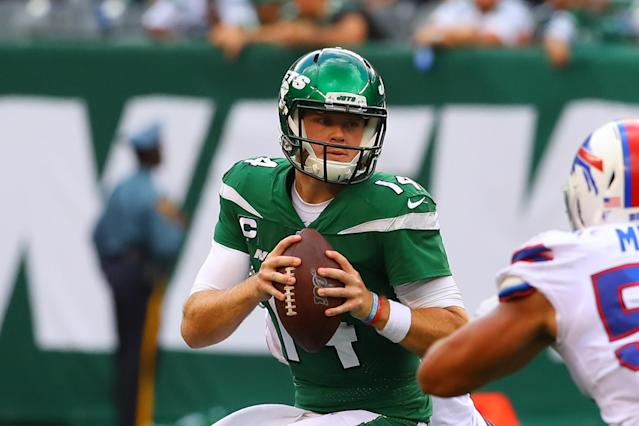 New York Jets quarterback Sam Darnold (14) could return this week. (Getty Images)