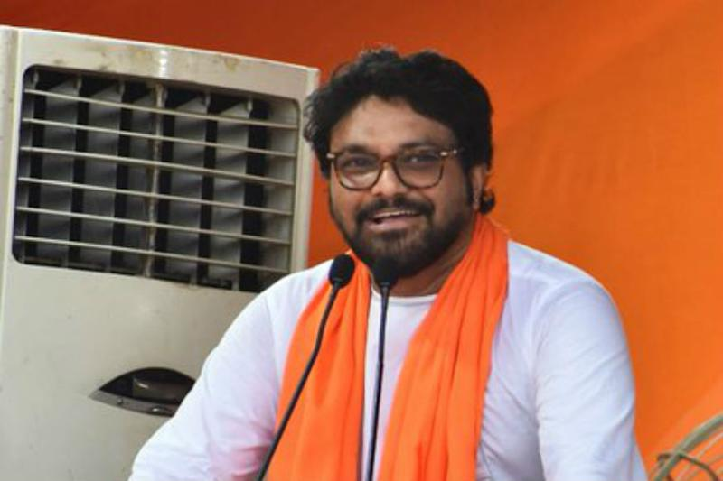 'Nothing But Unconditional Apology': Student in Video After Supriyo's 'Pack off to Your Country' Remark