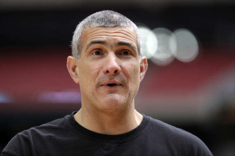 South Carolina head coach Frank Martin talks to his players during a practice session for their NCAA Final Four tournament college basketball semifinal game Friday, March 31, 2017, in Glendale, Ariz. (AP Photo/David J. Phillip)