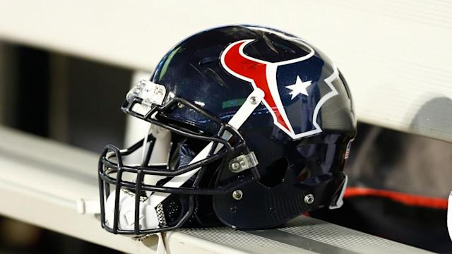 Texans sign DT Javier Edwards to the practice squad