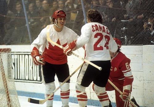1972 Summit Series - Paul Henderson and Bobby Clarke celebrate goal