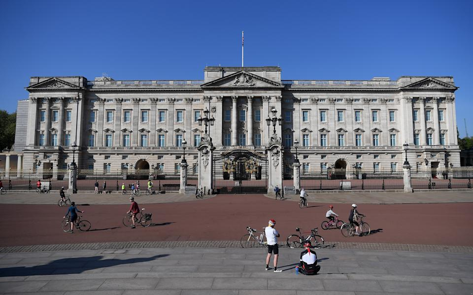 LONDON, ENGLAND  - APRIL 26:  A general view of Buckingham Palace on April 26, 2020 in London,England  . The British government has extended the lockdown restrictions first introduced on March 23 that are meant to slow the spread of COVID-19. (Photo by Alex Davidson/Getty Images)