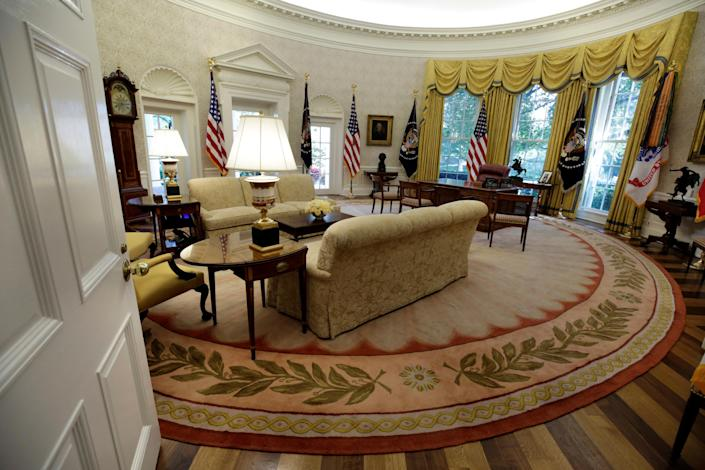<p>The Oval Office of the White House is seen after a renovation in Washington, Aug. 22, 2017. (Photo: Yuri Gripas/Reuters) </p>