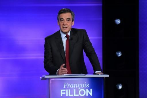 France's Fillon, buoyed by debate, heads for finish line