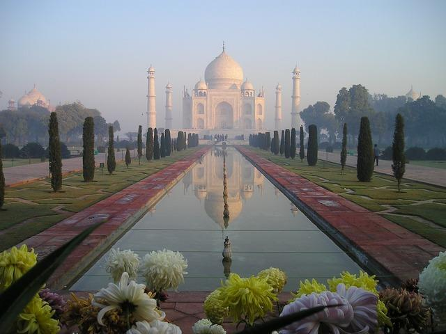 The Taj Mahal is a classic example of what is wrong with India as a tourist destination – world class monuments which have been poorly maintained.