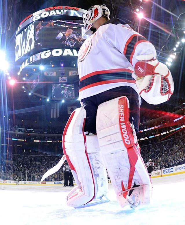 LOS ANGELES, CA - JUNE 11: Goaltender Martin Brodeur #30 of the New Jersey Devils looks on after a goal by Jeff Carter #77 of the Los Angeles Kings (not in photo) in Game Six of the 2012 Stanley Cup Final at Staples Center on June 11, 2012 in Los Angeles, California. (Photo by Harry How/Getty Images)