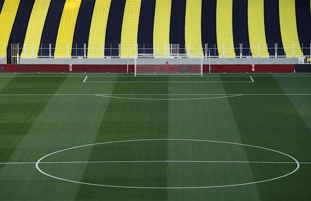 Soccer Football - Turkish Cup Semi Final Second Leg - Fenerbahce v Besiktas - Sukru Saracoglu Stadium, Istanbul, Turkey - May 3, 2018 General view inside the stadium before the scheduled kick off REUTERS/Murad Sezer