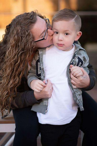 PHOTO: Erika Hurt poses with her 3-year-old son Parker in a photo to celebrate her three-year sobriety anniversary. (Ali Elizabeth Photography and Key Words Co.)