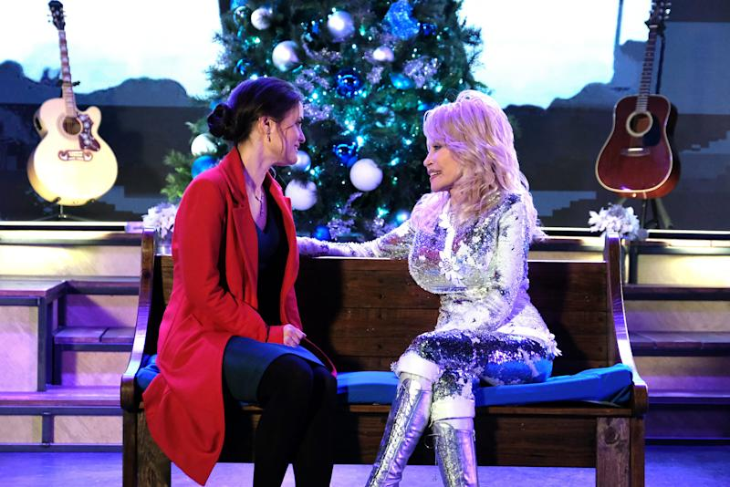 """Danica McKellar and Dolly Parton star in a scene together in the new Hallmark movie """"Christmas at Dollywood."""""""